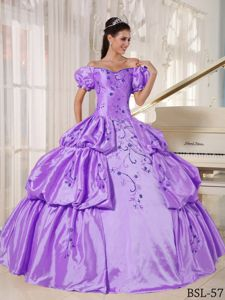 Special Off The Shoulder Purple Long Quinceanera Gowns with Embroidery
