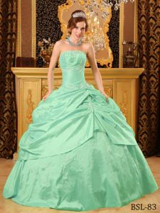 Apple Green Pick Ups and Embroidery Dress For Quinceanera in Amboy