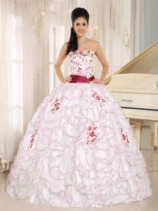 Strapless Dress for Quince in White and Red with Ruffles and Embroidery
