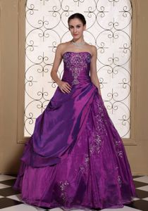 Purple Strapless Floor-length Quinceanera Dresses with Beading in Evergreen
