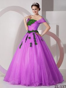 Modest Off The Shoulder A-line Quinces Dresses in Fuchsia with Appliques