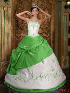 Spring Green Strapless Embroidery Satin Quinceanera Gown Dresses in Bothell WA