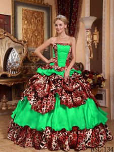 Strapless Pick-ups and Ruffled Layers Leopard Quinceanera Dress in Green