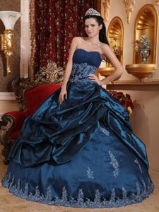 Long Sweetheart Appliques and Pick-ups Navy Blue Quinceanera Dress in Olympia