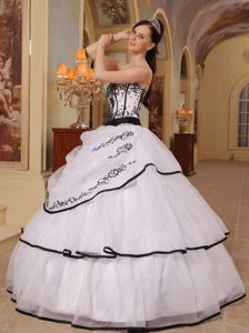 Noble White Strapless Floor-length Organza Dress for Sweet 16 with Embroidery
