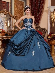 Sweetheart Floor-length Appliqued Quinceanera Dress in Navy Blue