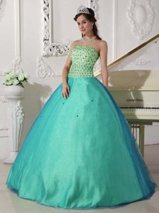 Apple Green Sweetheart Floor-length Beaded Quince Dress in Tulle in Andacollo