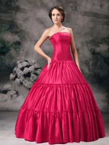 Strapless Floor-length Taffeta Ruched Quinceanera Dress in Red in McLean