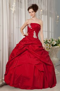 Strapless Floor-length Taffeta Appliqued Quinceanera Dress in Red