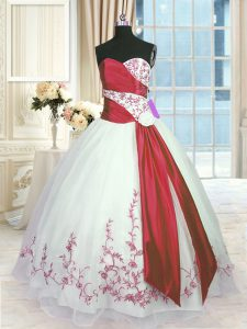Fancy White And Red Sleeveless Organza Lace Up 15 Quinceanera Dress for Military Ball and Sweet 16 and Quinceanera