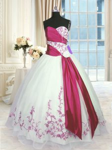 High Quality White And Red Lace Up Quince Ball Gowns Embroidery and Sashes ribbons Sleeveless Floor Length