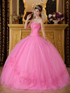 Pink Sweetheart Tulle Quinceanera Dress with Appliques and Beading in Easton