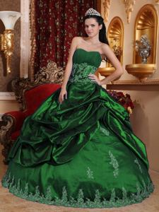 Hunter Green Sweetheart Appliqued Quince Dress with Pick Ups in Abilene