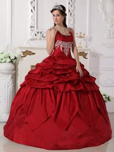 Wine Red Scoop Floor-length Taffeta Beaded Quinceanera Dress in R�o Cuarto