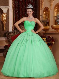 Apple Green Sweetheart Floor-length Beaded Quince Dresses in Cipolletti