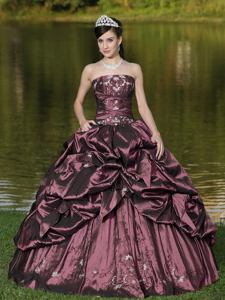 Burgundy Strapless Appliqued Luxurious Quinceanera Dress with Pick Ups in Fremont