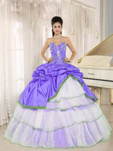 Sweetheart Beaded White and Lilacs Quinceanera Dresses with Pick Ups in Dublin