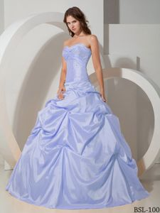 Sweetheart Taffeta Quinceanera Dress with Beading and Pick-ups in Viacha