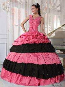 Red and Black V-neck Layers Quinceanera Gowns with Handle Flowers
