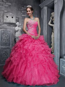 Coral Red Sweetheart Beaded Ruffled Quinceanera Gowns with Appliques in Flagstaff