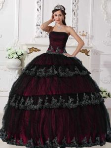 Strapless Appliques Dress For Quince in Burgundy and Black