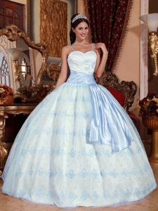 Spaghetti Straps Embroidery Sweet 15 Dresses with Sash in Valle