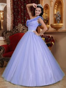 Flouncing One Shoulder Floor-length Lilac Quinceanera Dresses