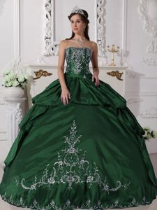 Embroidered Green Dresses for Quince with Pick-ups in Kelso