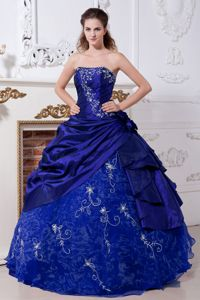 Taffeta and Organza Dark Blue Quinceanera Dress with Embroidery