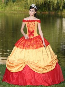 Off The Shoulder Two-toned Sweet Sixteen Dresses With Appliques