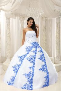 Embroidery Strapless White Beaded Quinces Dresses in Oranienburg