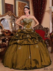 Olive Sweetheart Quinceanera Gowns with Appliques and Pick-ups