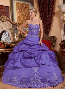 Purple Beading Sweetheart Quinceanera Dress with Embroidery 2014