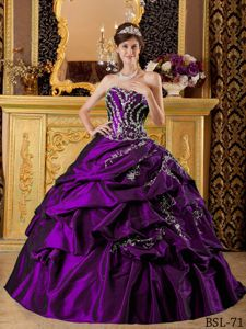 Taffeta Eggplant Purple Appliques Quinceanera Gowns in Beilstein