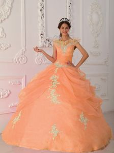 V-neck Orange Red Appliques Sweet 15 Dresses Beaded in Bielefeld