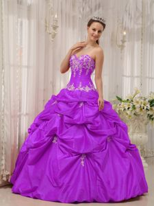 Purple Sweetheart Quinceanera Gowns in Bon Air Appliques Decorate