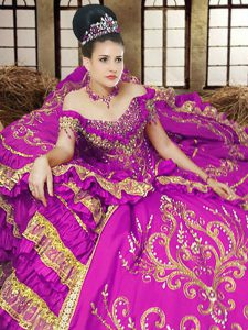 Modern Off the Shoulder Sleeveless Lace Up Floor Length Embroidery Vestidos de Quinceanera