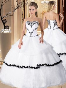 White Sweetheart Neckline Beading and Embroidery Quinceanera Gown Sleeveless Lace Up