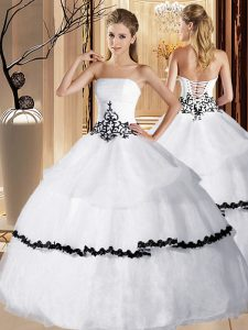 Customized Organza Strapless Sleeveless Lace Up Appliques and Ruffled Layers 15 Quinceanera Dress in White
